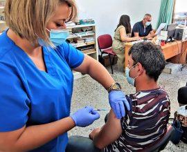 Δήμος Μαλεβιζίου: Επαναληπτικοί εμβολιασμοί στον Κρουσώνα από τις Κινητές Μονάδες Εμβολιασμού