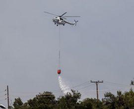 Η Πολιτική Προστασία του Δήμου Αχαρνών συνδράμει το έργο των πυροσβεστών στη φωτιά της Βαρυμπόμπης