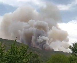Ήπειρος: Φωτιά στον Σμόλικα – Εκκενώνεται το χωριό Πάδες