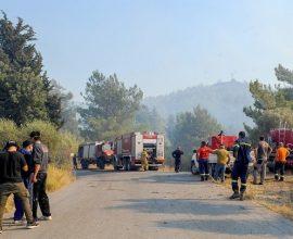 ΤΩΡΑ στην Ρόδο: Εκκενώνεται το χωριό Μαριτσά -Μάχη με αναζωπυρώσεις