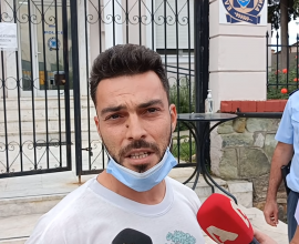 Συλληφθείς πατέρας στη Θέρμη: «Το παιδί μου έκανε μάθημα και θα ξαναπάει στο σχολείο, χωρίς self test, είναι αναφαίρετο δικαίωμα»