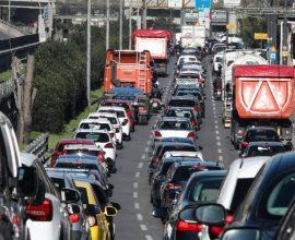 Εκτοξεύτηκε η κίνηση στους δρόμους – Ποιοι δρόμοι της Αττικής έχουν μεγαλύτερη επιβάρυνση