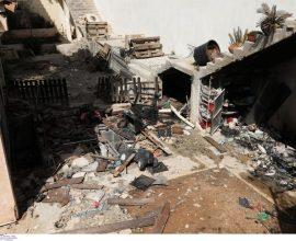 Επτά τραυματίες, μεταξύ τους τρία παιδιά, από ισχυρή έκρηξη και πυρκαγιά σε σπίτι στα Καλύβια