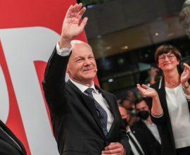 Γερμανία- εκλογές: Θρίλερ – Οριακό προβάδισμα στον Σολτς