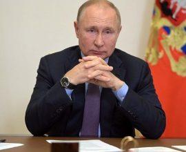 Σε απομόνωση ο Πούτιν, επειδή νοσούν δεκάδες άτομα από το περιβάλλον του