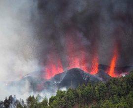 Συναγερμός στα Κανάρια: Έκρηξη ηφαιστείου, εκκενώνονται οικισμοί στη Λα Πάλμα