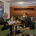 Το «Επενδυτικό Προφίλ της Δυτικής Ελλάδας» παρέδωσε στον πρέσβη των ΗΠΑ ο Ν. Φαρμάκης