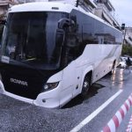 Δήμος Καλαμαριάς: Άνοιξε η γη και «κατάπιε» λεωφορείο – Άμεση παρέμβαση από τον Δήμαρχο